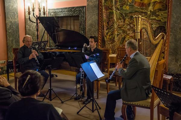 v.l.n.r.: Hans Eham, Klarinette; Lukas Scheurer, Bassklarinette; Reinhard Hausner, Klarinette